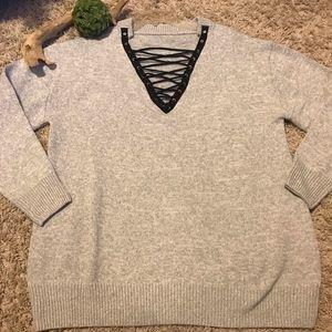 Sweaters - ⭐️Fantastic Gray Sweater⭐️